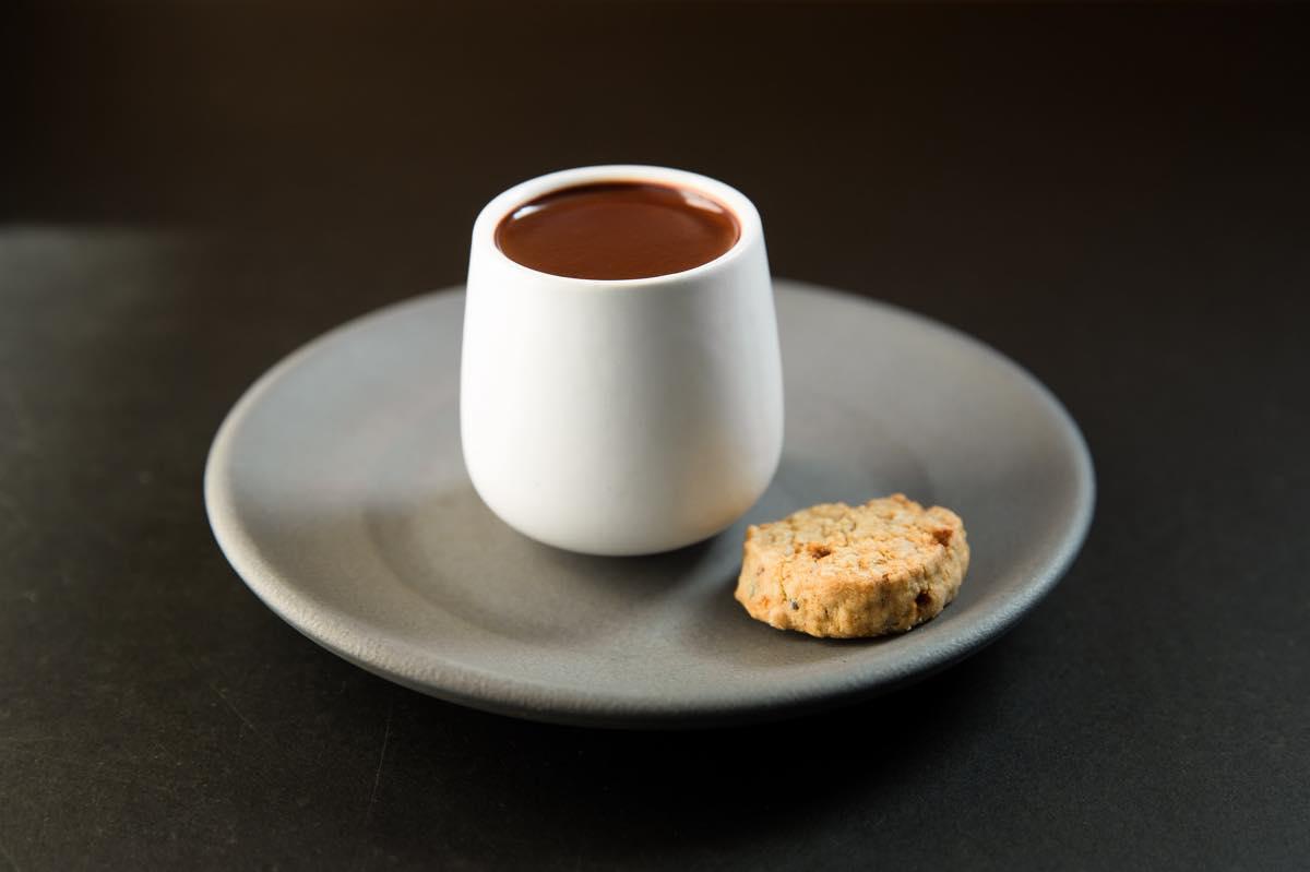 Bean to Barの味をドリンクで楽しめる 「ヨーロピアンホットチョコレート」
