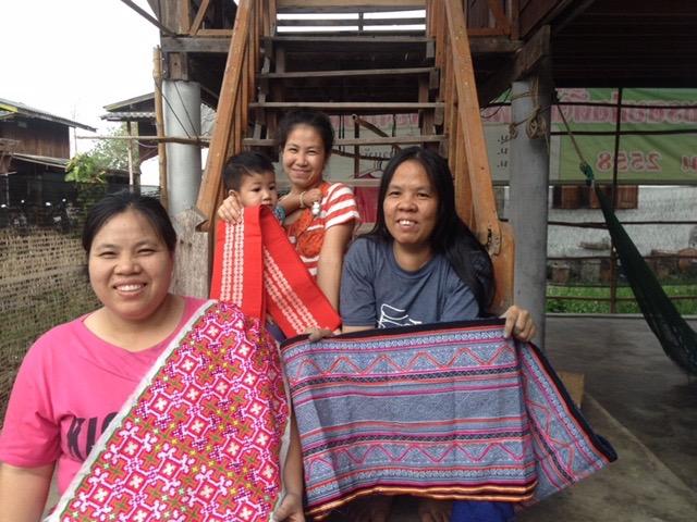 AIKYOの縫製工房と工房の女性たち
