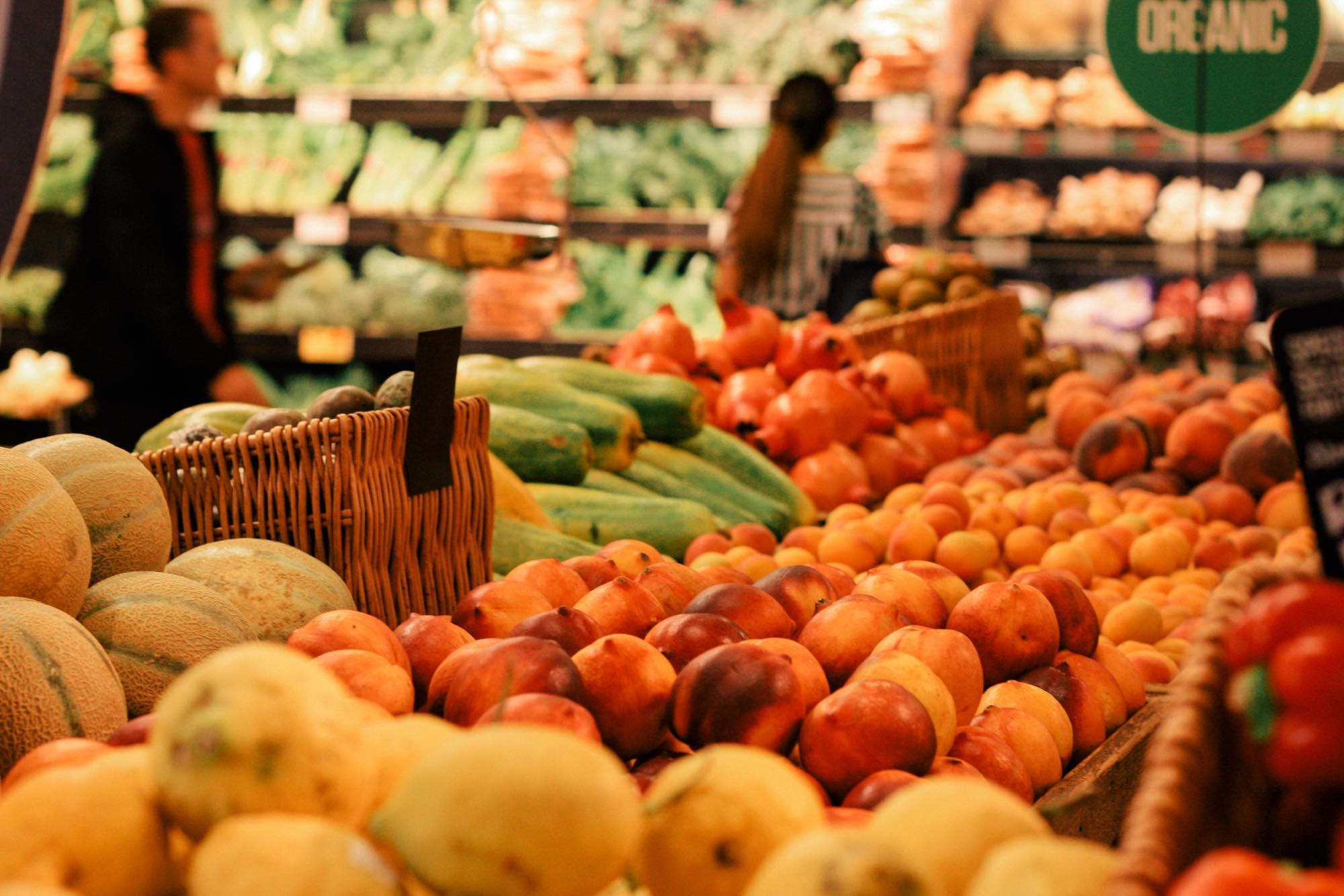 ロンドンのスーパーにはオーガニックの野菜が所狭しと並ぶ